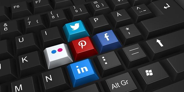 klávesy na sociální sítě